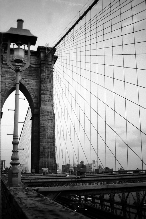 Photo noir et blanc du Brooklyn Bridge, New-York