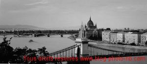 Budapest : vue sur le Danube et le Parlement