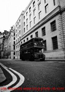Ancien bus anglai à deux étages - Londres, Angleterre.