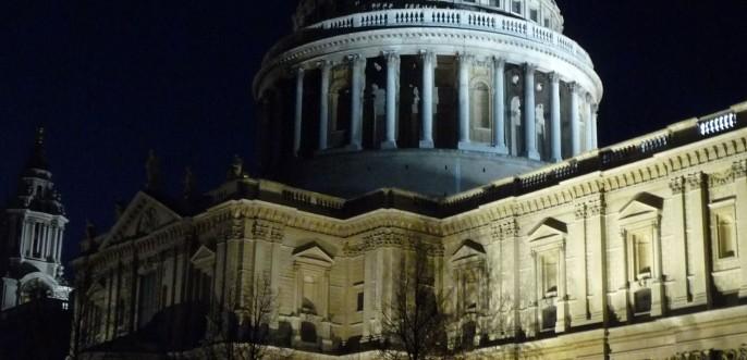 Photo couleur de la cathedrale Saint-Paul à Londres