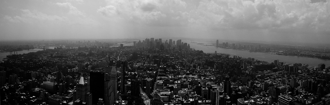 Photo noir et blanc de la vue sur Lower Manthattan - New York, USA