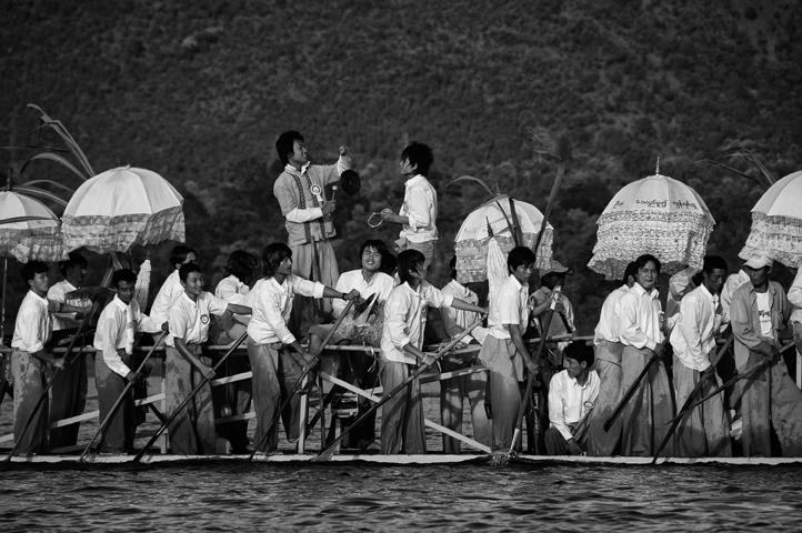 Fête de Phaung Daw U sur le lac Inle - Birmanie