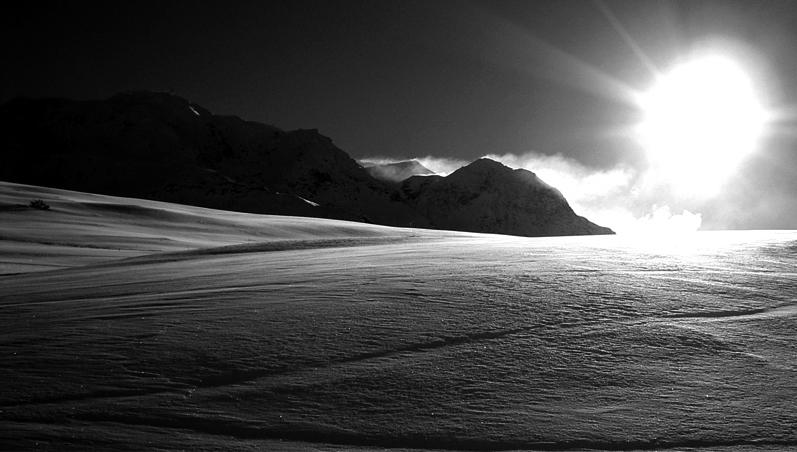 Photo noir et blanc de la montage à la station de ski Les Arcs, Savoie