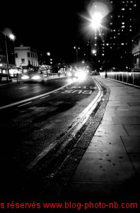 London by night, en attendant le bus - Londres, Angleterre