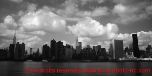 La skyline de New-York, Les grattes ciels de Manhattan - photo noir et blanc, USA 09