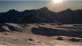 Photo couleur d'un panorama des 2 Alpes, Savoie
