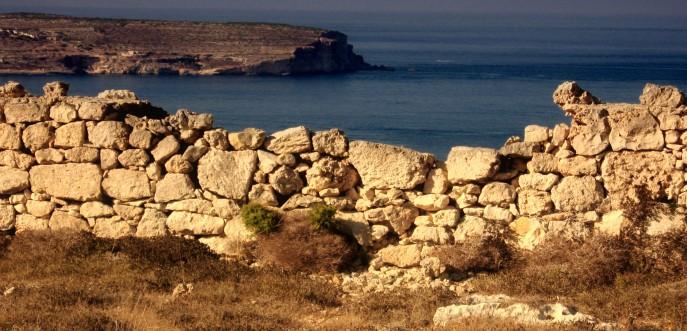 Photo couleur d'un vieux mur à Malte