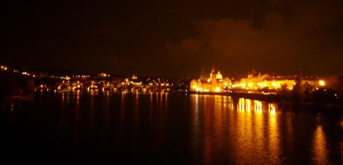Photo de Prague by night et du Pont Charles