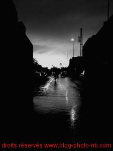 Marrakech, derrière la médina - ruelle sous la pluie après l'orage