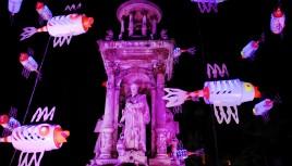Photo couleur de la place des Jacobins lors de la Fête des Lumières 2008 - Lyon
