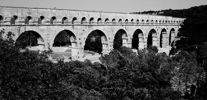 Photo noir et blanc du pont du Gard, Nîmes