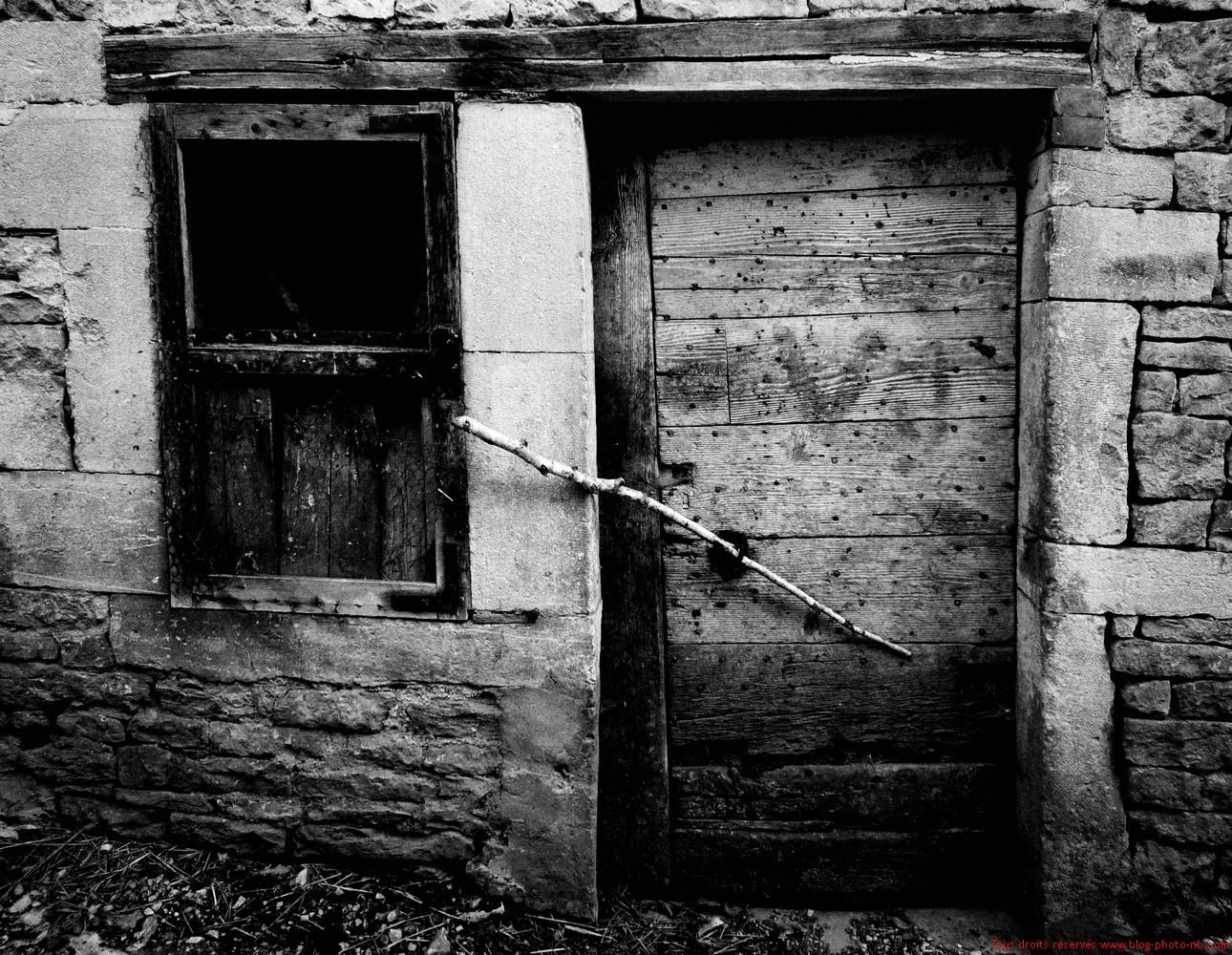 Porte ancienne et pierres centenaires haute sa ne 70 for Porte de ferme ancienne