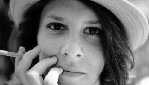 Portrait de fille avec un chapeau