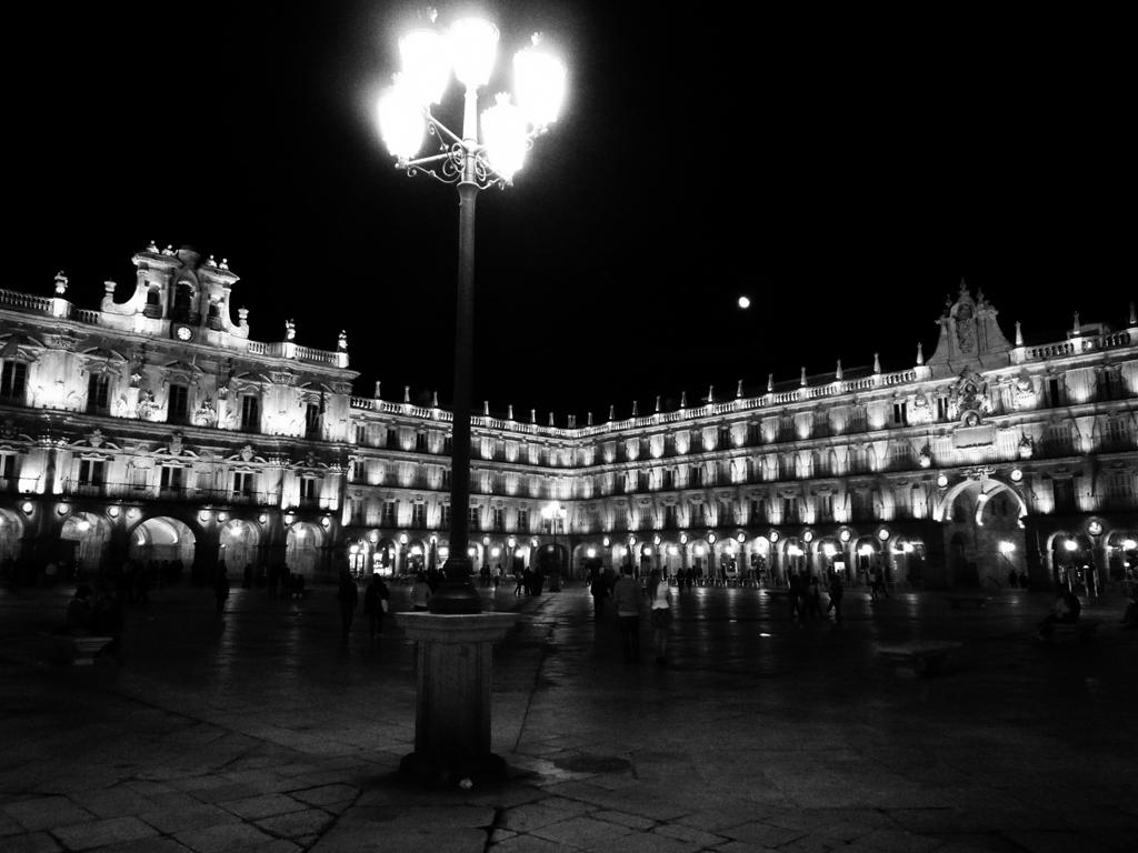 Pjoto noir et blanc de la Plaza Mayor, Salamanque, Espagne