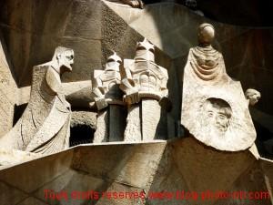 Fronton - église de la Sagrada Familia, Barcelone