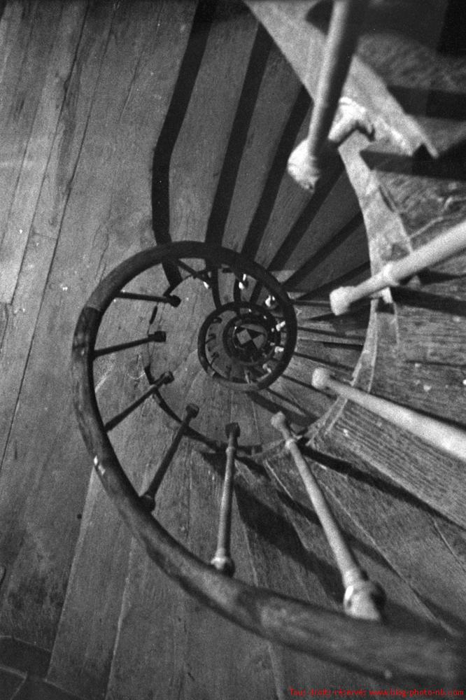 cage d 39 escalier un vieux classique qui fait toujours son. Black Bedroom Furniture Sets. Home Design Ideas