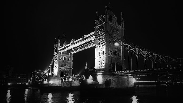 Photo noir et blanc du Tower Bridge, Londres - Angleterre