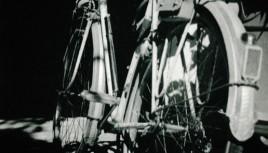 Photo noir et blanc d'un ancien vélo de course modèle 1960 !