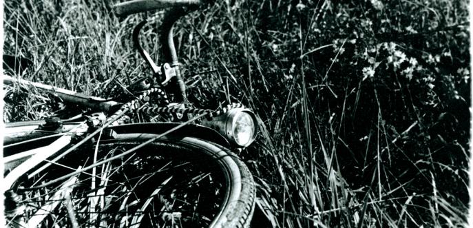 Photo noir et blanc d'un vélo, Haute-Saône