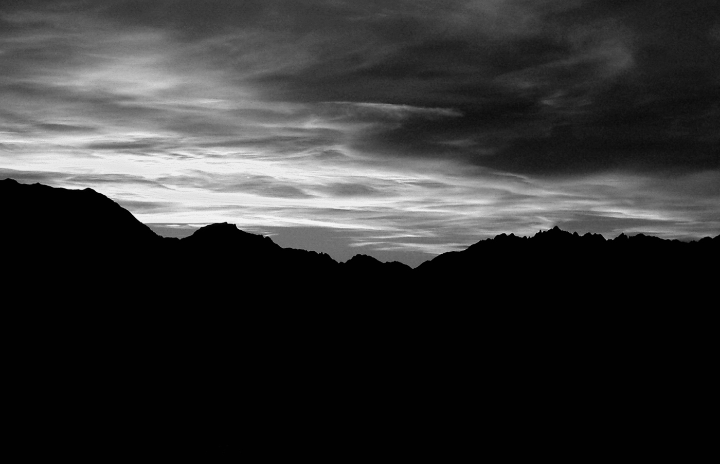 http://www.blog-photo-nb.com/wp-content/uploads/2008/12/arcs-alpes-noir-et-blanc.jpg